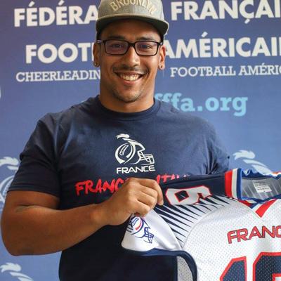 Paul David reçoit son maillot de l'équipe de France
